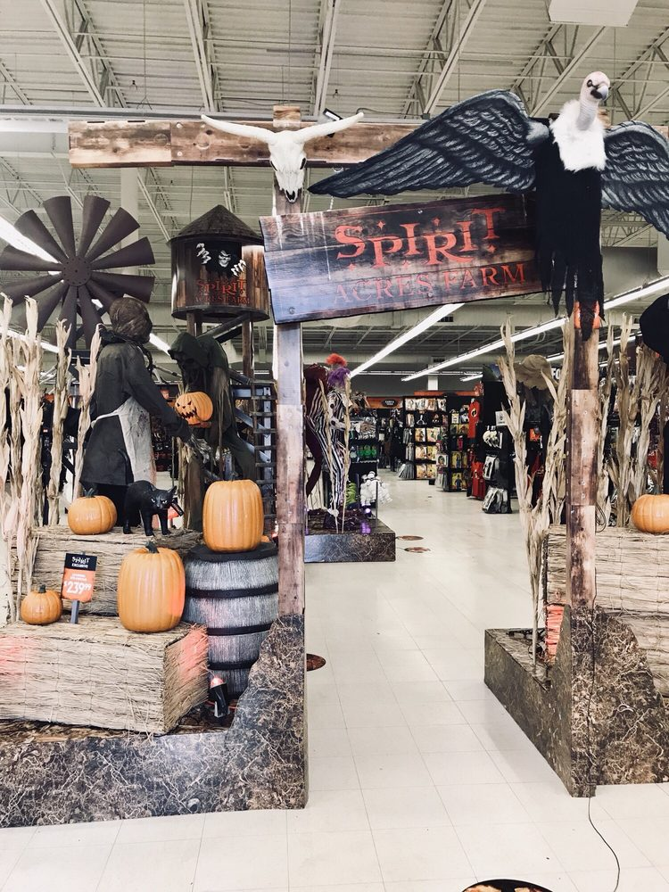 Spirit of Holloween Super Store: 21000 Southbank St, Sterling, VA