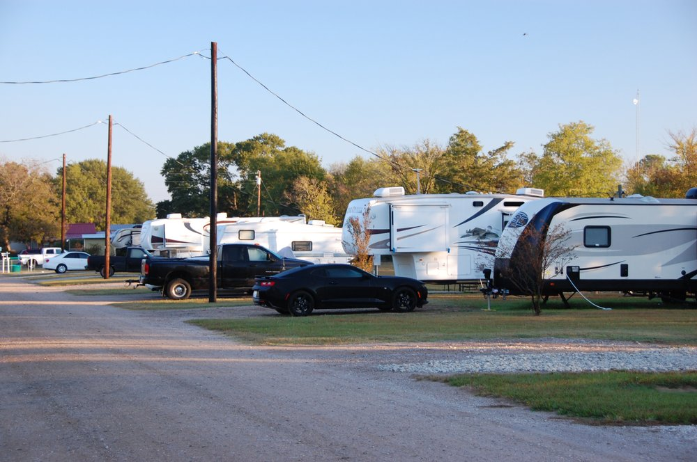 We RV Champions: 15537 Hwy 64 W, Tyler, TX