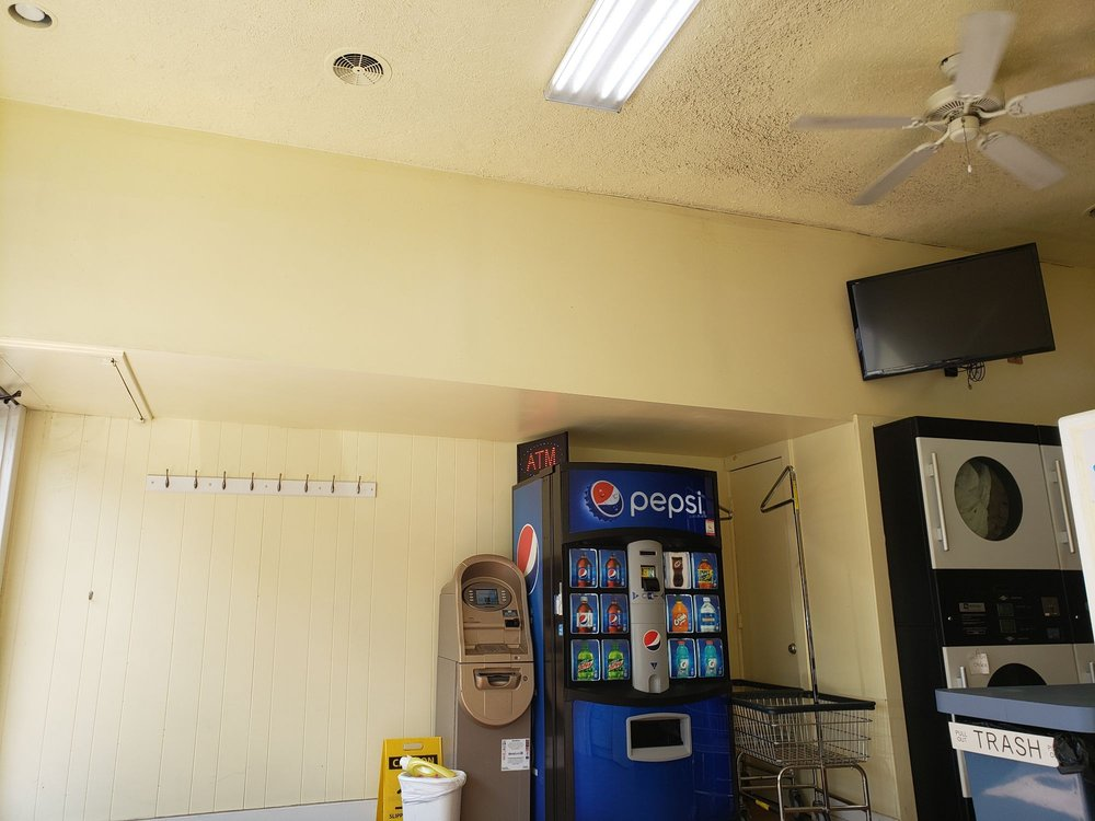 Daisy Laundromat: 3115 W Chester Pike, Newtown Square, PA