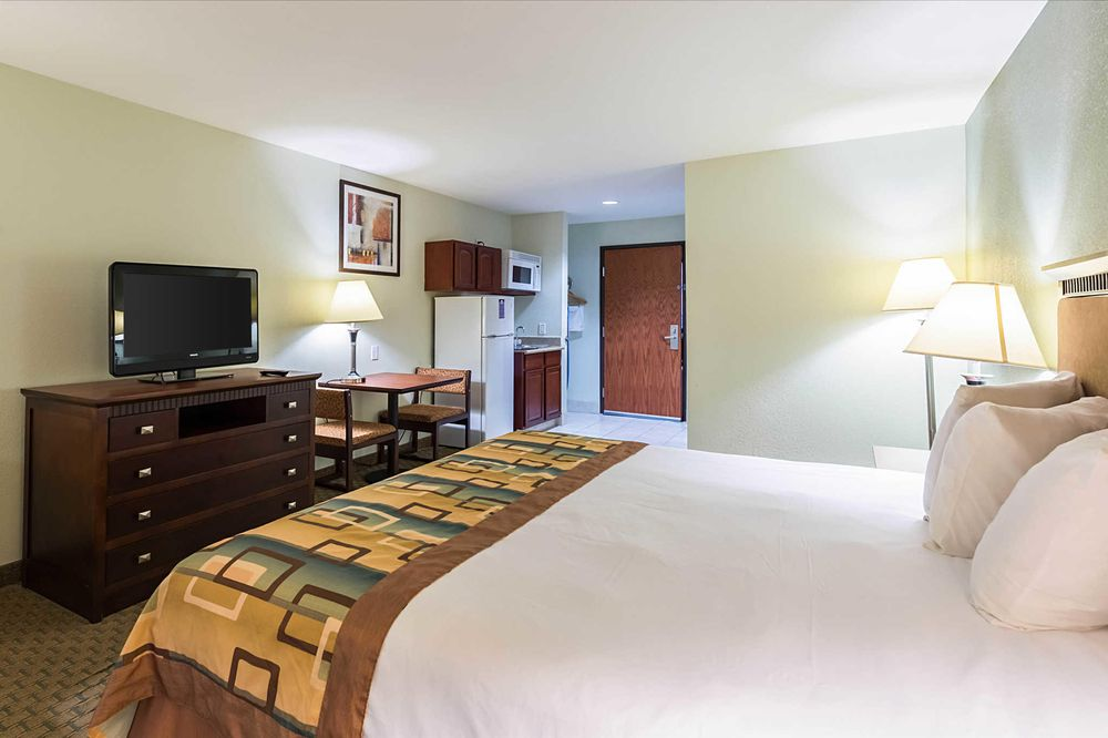 Suburban Extended Stay Hotel: 2865 West Cardinal Drive, Beaumont, TX