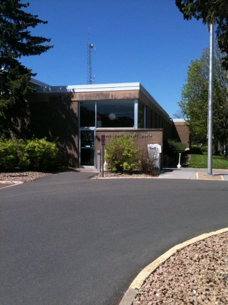 US Post Office: 910 1st St S, Hopkins, MN