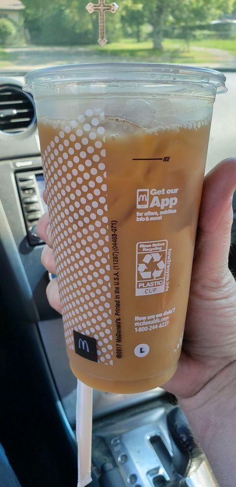 McDonald's: 2001 Hwy 47 N, White Bluff, TN