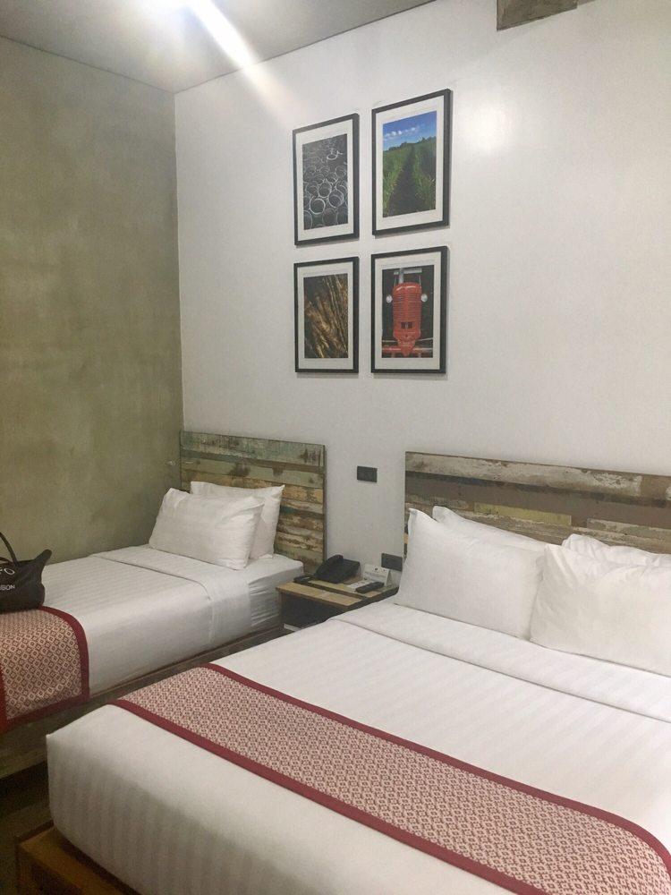 The Bricks Hotel: Rizal Boulevard, Dumaguete City, NER