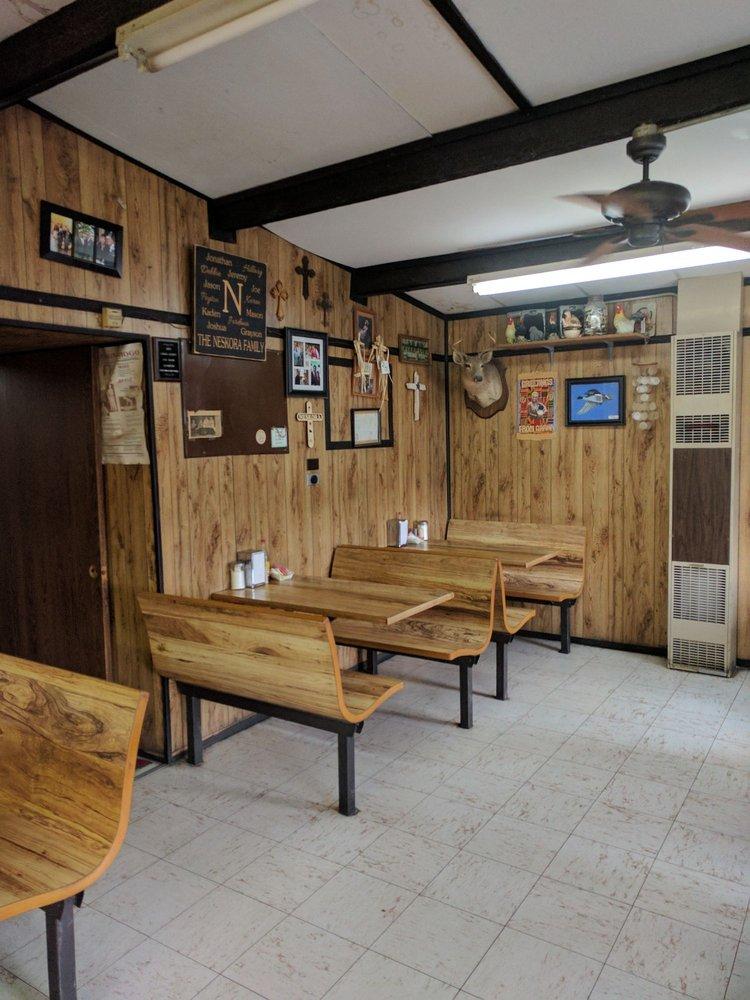 Joe's Fried Chicken: 514 W Fairwinds St, Hallettsville, TX