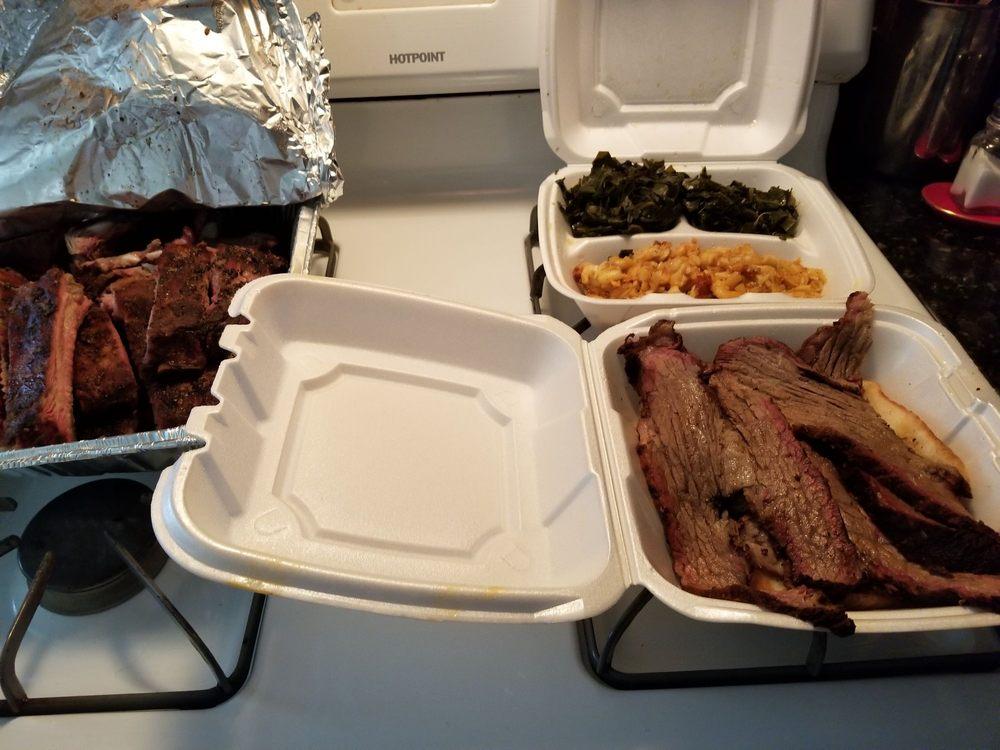 Dilworth's BBQ: 1544 Wellborn Rd, Lithonia, GA