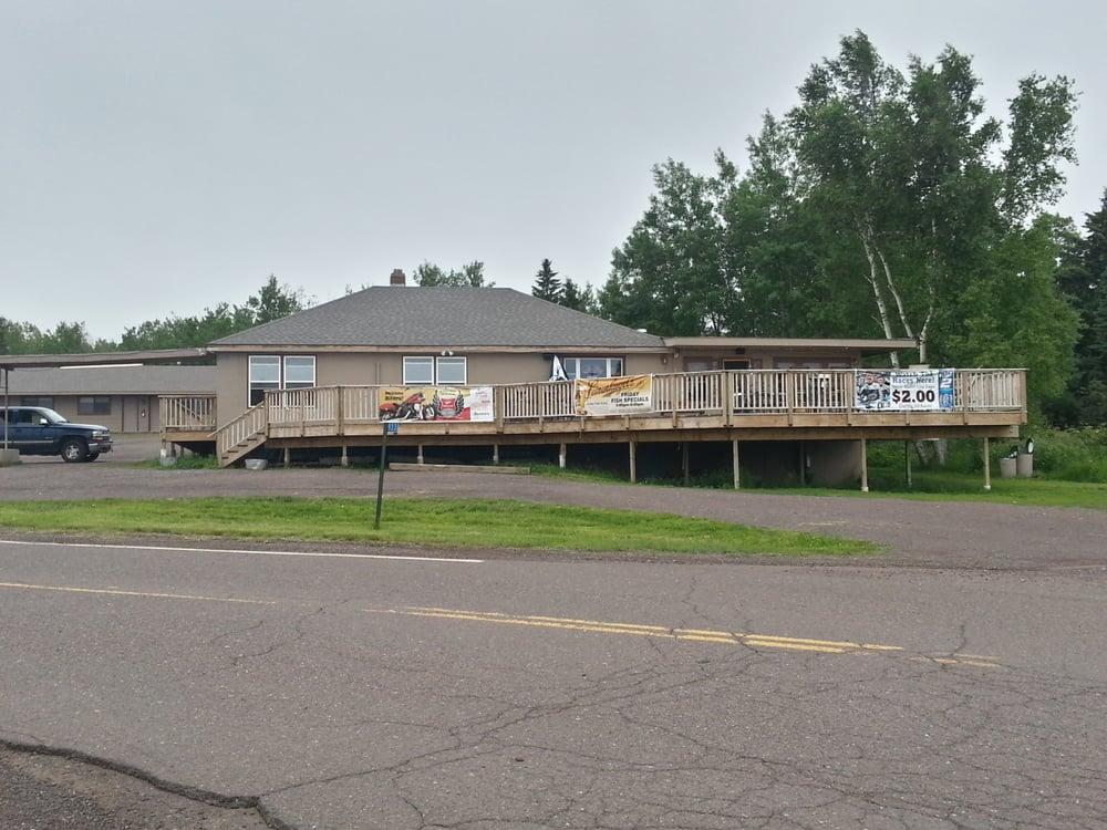 Earthwood Inn: 933 Stanley Rd Old Hwy 61, Two Harbors, MN