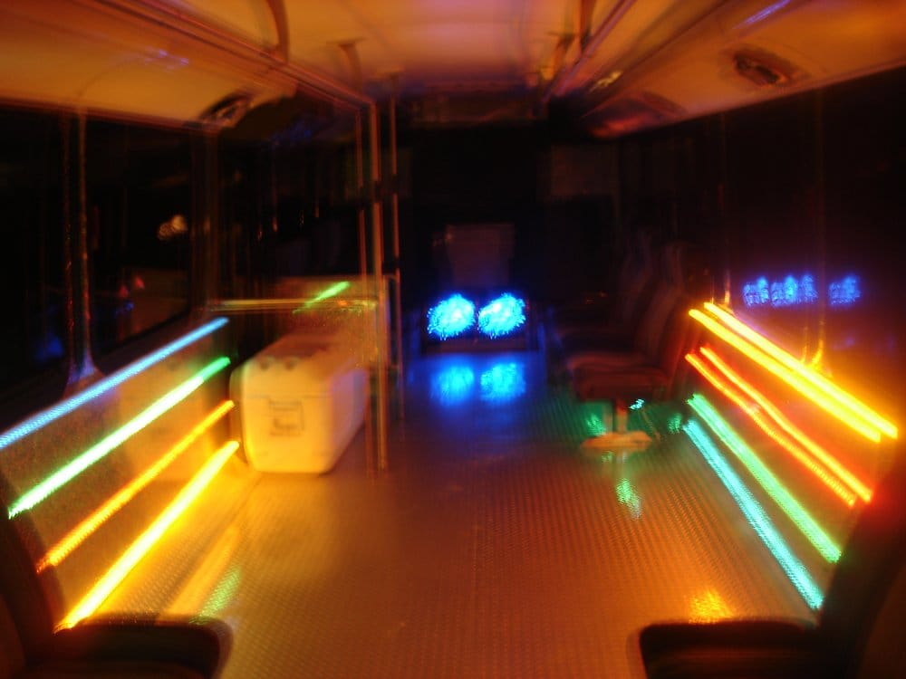 Partybus Tv: 31802 NE 104th St, Carnation, WA