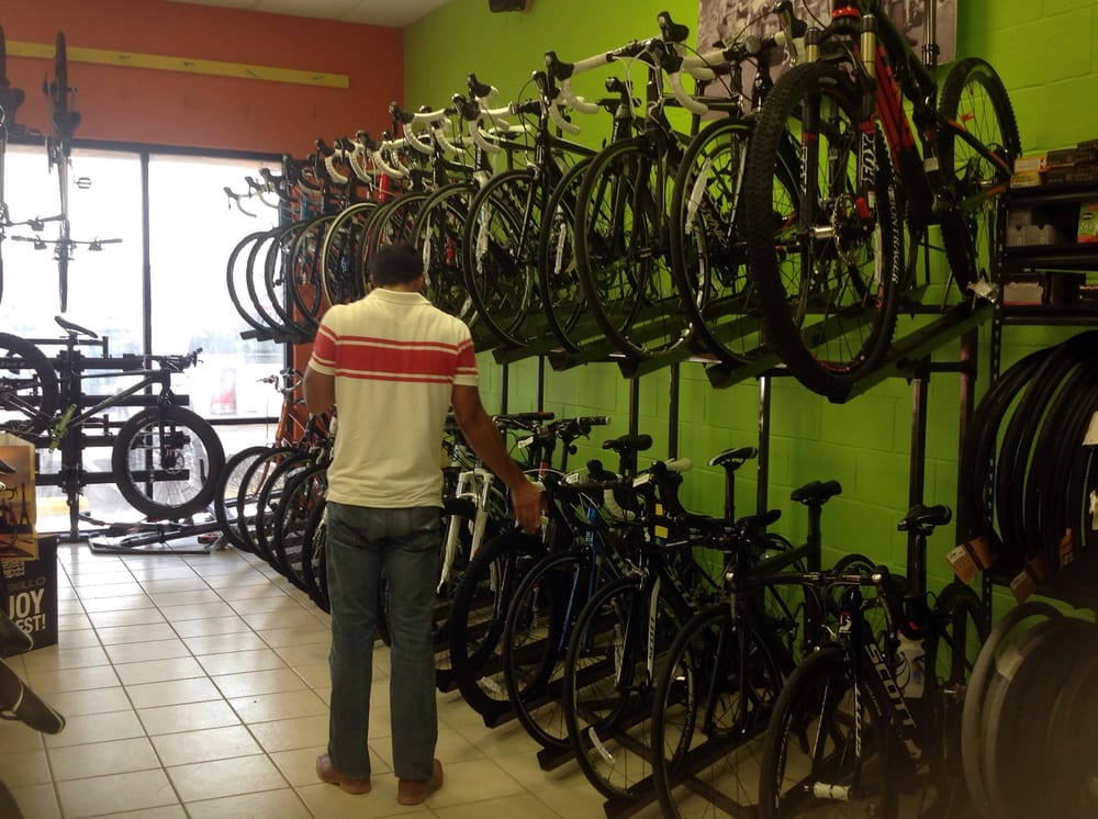 Bike Masters- Mission: 2801 E Griffin Pkwy, Mission, TX