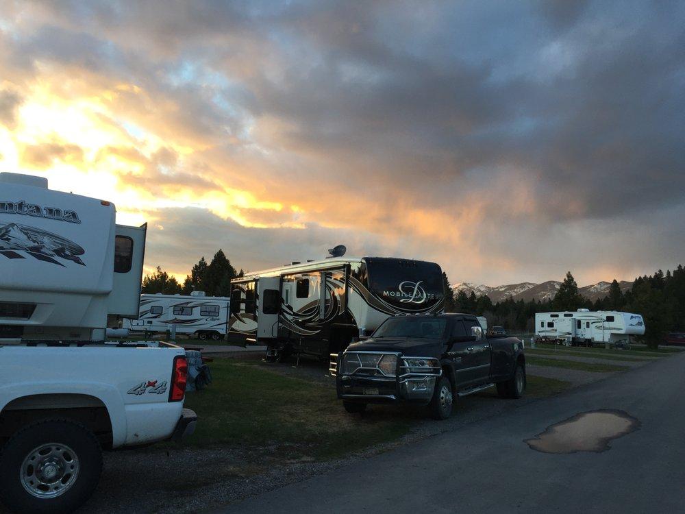 Mountain View Rv Park: 3621 Montana Hwy 40 W, Columbia Falls, MT