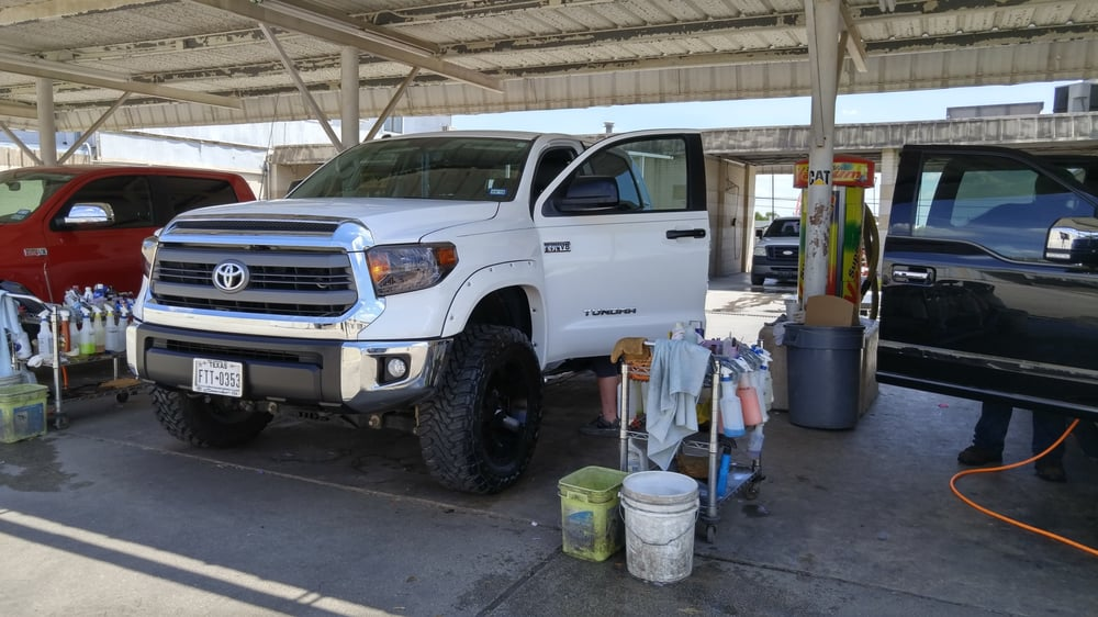 Car Washateria: 6617 Lakeview Dr, San Antonio, TX