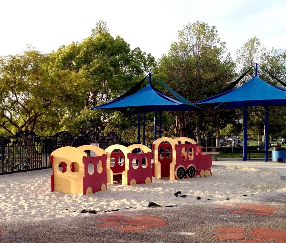 Alhambra Sage Granada Park Alhambra Ca: Train For Little Ones To Crawl In