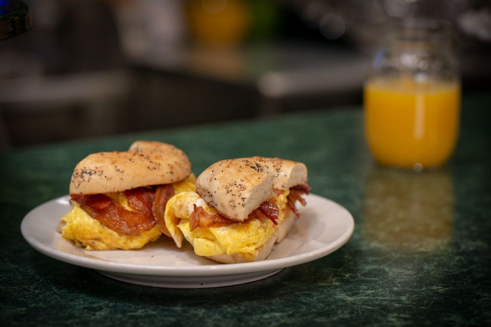 Trumbull Cafe & Grill: 920 White Plains Rd, Trumbull, CT