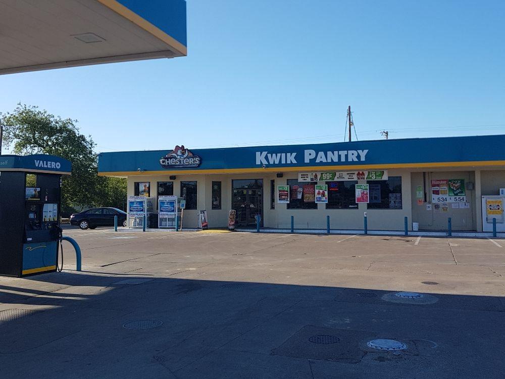 Kwik Pantry 101: 504 E Main St, Benavides, TX