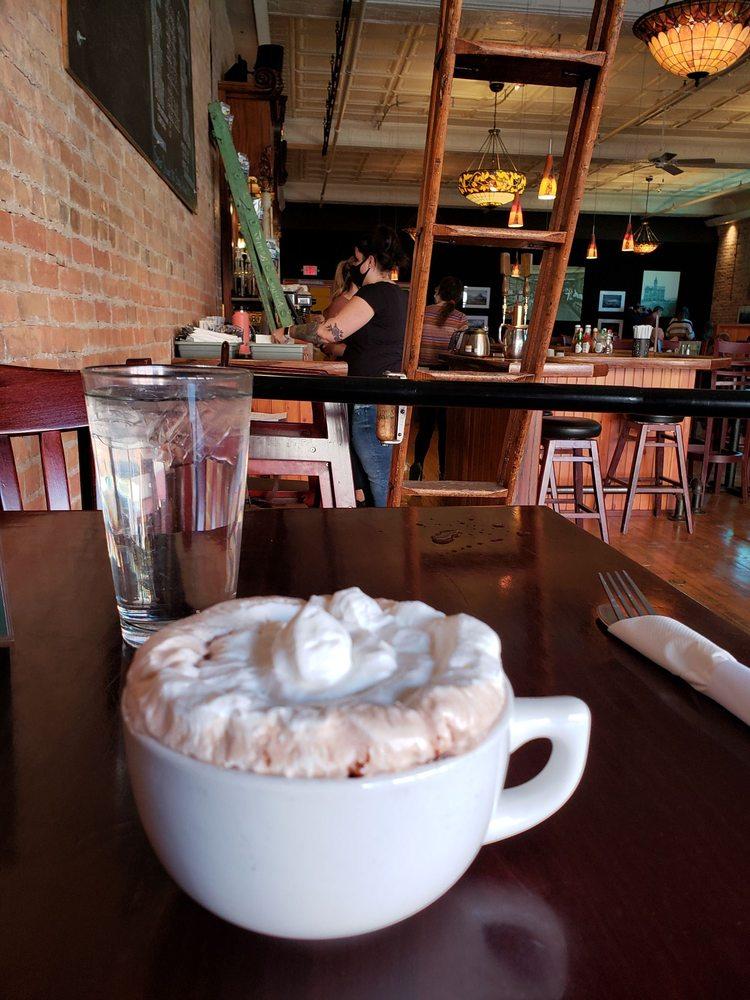 Split Rock Cafe: 30 2nd St E, Kalispell, MT