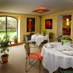 Restaurant la safrani re french hameau chabrits mende for Salle a manger yelp