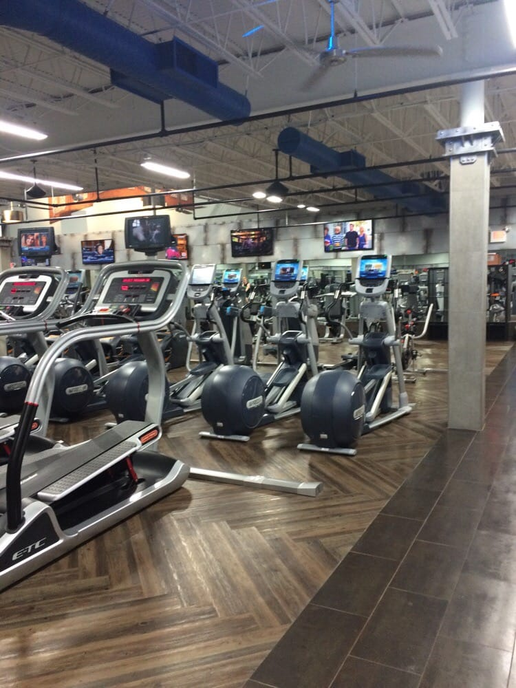 Crunch fitness tysons photos reviews gyms