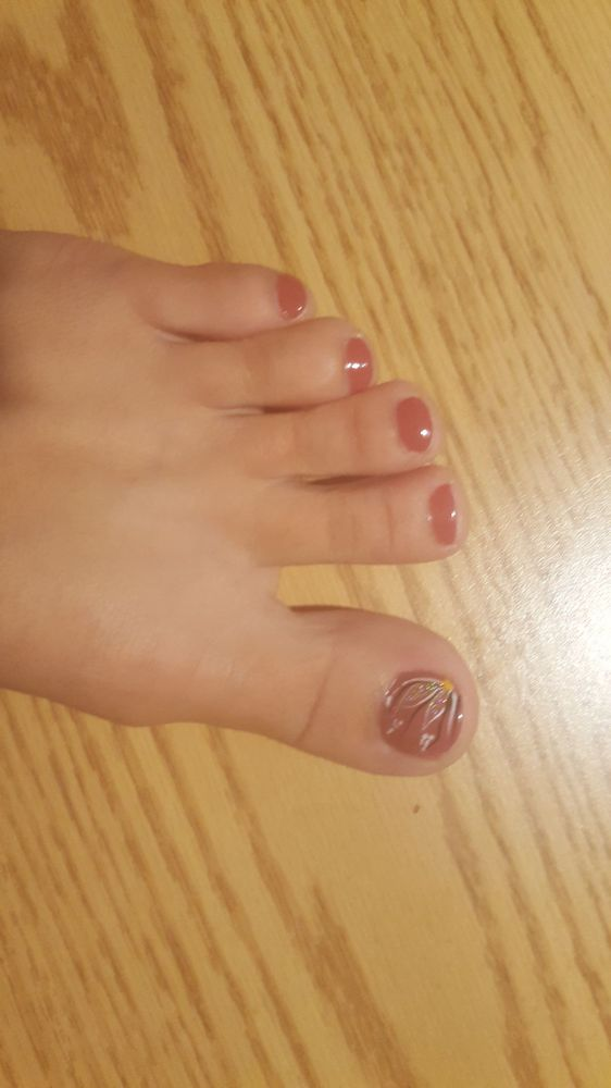 Pedicure with cute flower design - Yelp