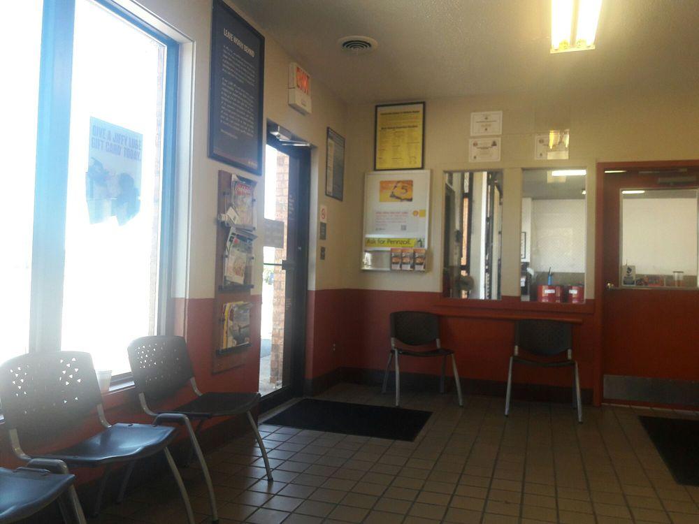 Jiffy Lube: 7210 Watson Rd., Shrewsbury, MO