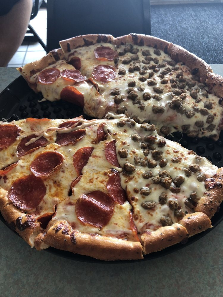 All American Pizza: 1000 W Choctaw Ave, Chickasha, OK
