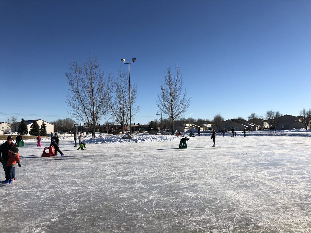 Memorial Park Ice Rink: 26th St Sertoma Ave, Sioux Falls, SD