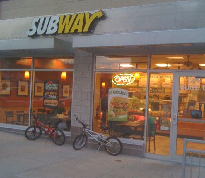 Subway: 1315 31st St, Des Moines, IA