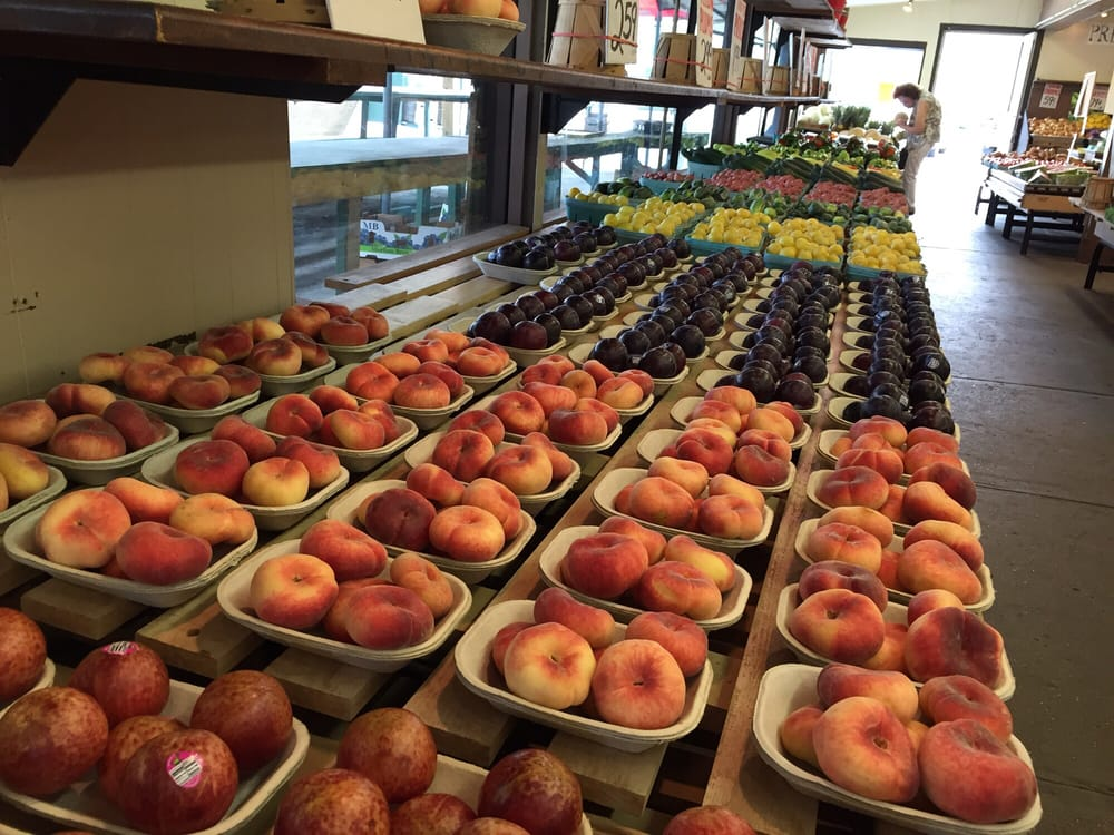 Giunta's Produce Market: 2106 River Rd, North Apollo, PA