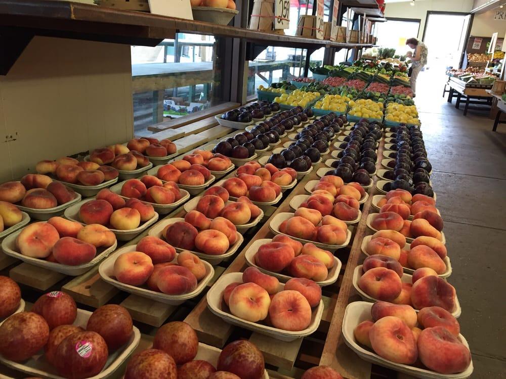 Giunta's Produce Market: 2106 River Rd, North Apollo, PA