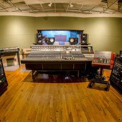 q division studios recording rehearsal studios 363 highland ave davis square somerville. Black Bedroom Furniture Sets. Home Design Ideas
