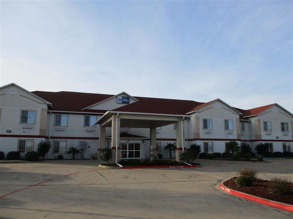 Best Western Limestone Inn & Suites: 1314 E Milam St, Mexia, TX