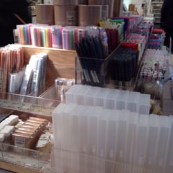 photo of muji madrid spain papelera