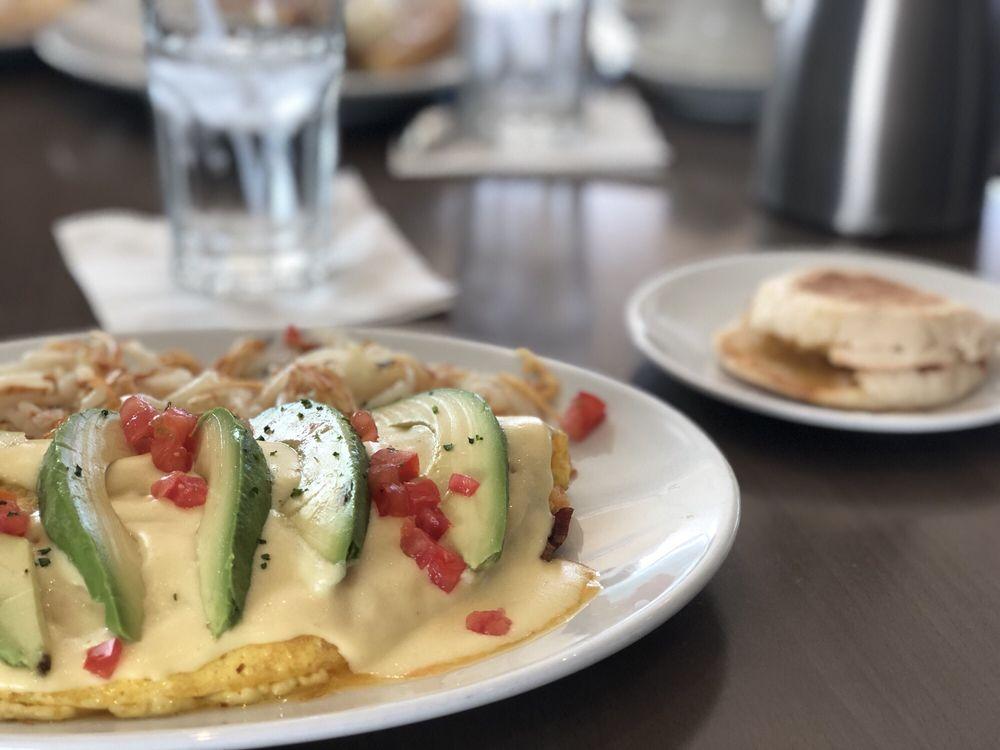 Benedict's Restaurant: 8442 Parkwood Blvd, Plano, TX