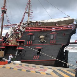 elite dangerous pirate bay