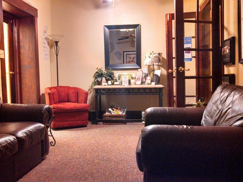 Longshore Massage & Mobile Spa: 105 N Gordon St, Alvin, TX