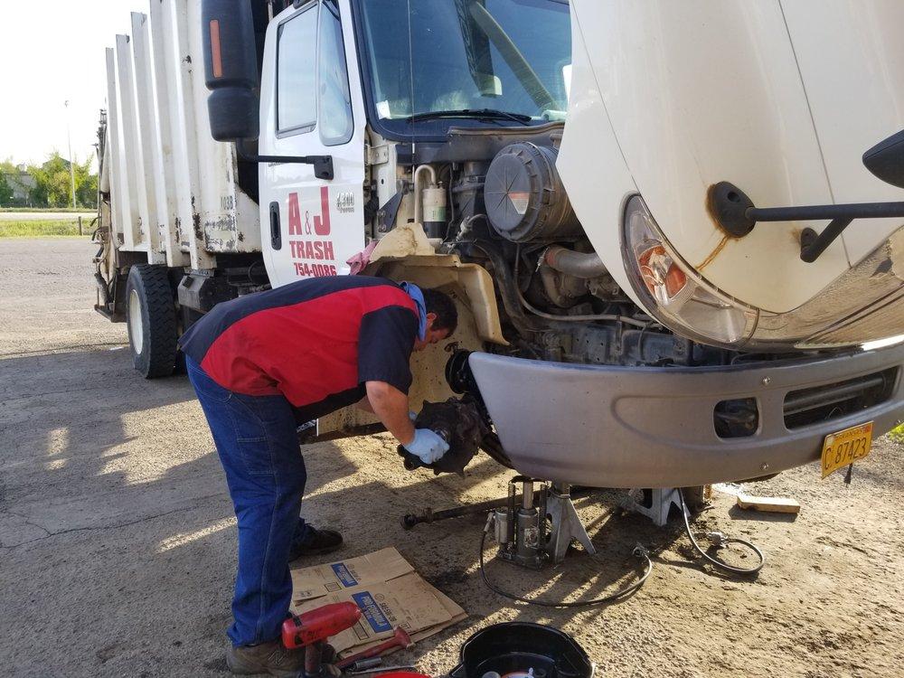 Hotshotz Automotive & Diesel Repair: 2009 E 8th St, Danville, AR