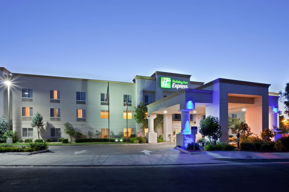 Holiday Inn Express Stockton Southeast: 5045 S Hwy 99, Stockton, CA