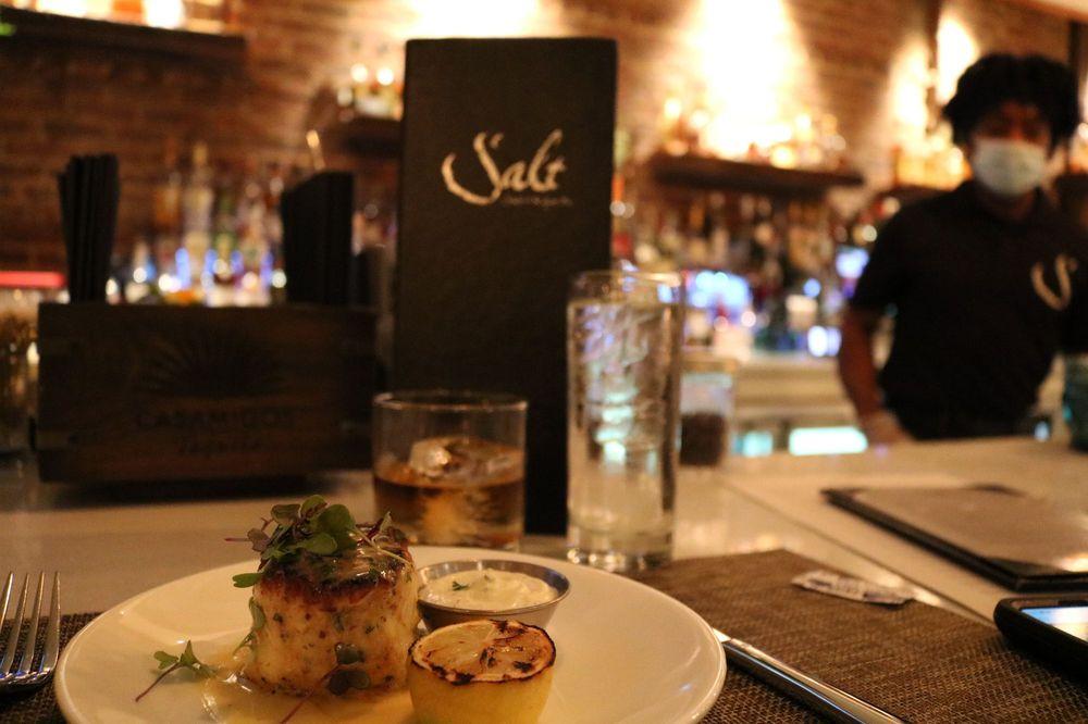 Photo of Salt Seafood & Oyster Bar: New Brunswick, NJ