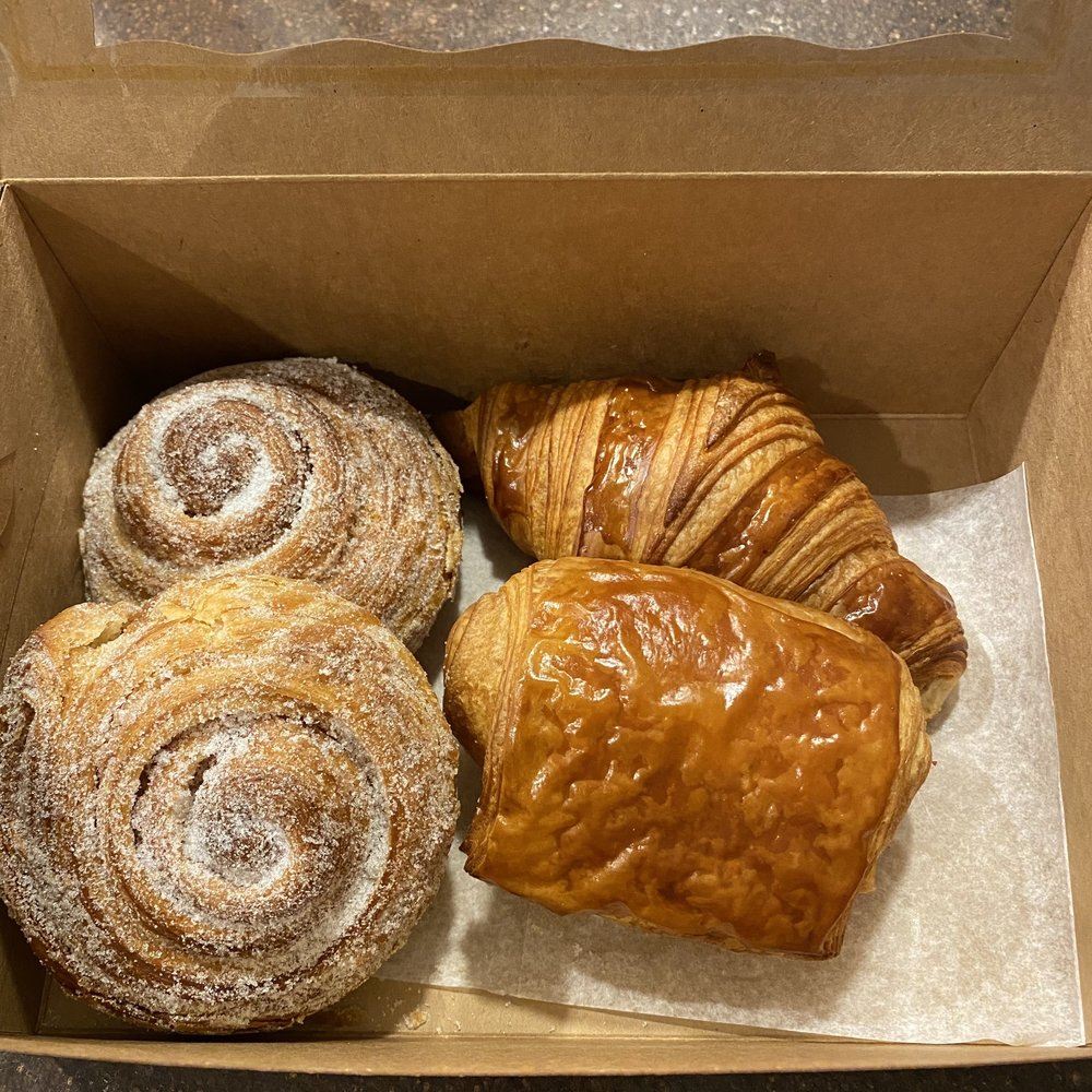 Boulangerie Du Monde: W62 N588 Washington Ave, Cedarburg, WI