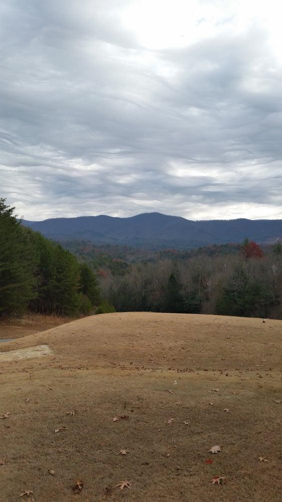 Whitepath Golf Club: 1156 Shenendoa Dr, Ellijay, GA
