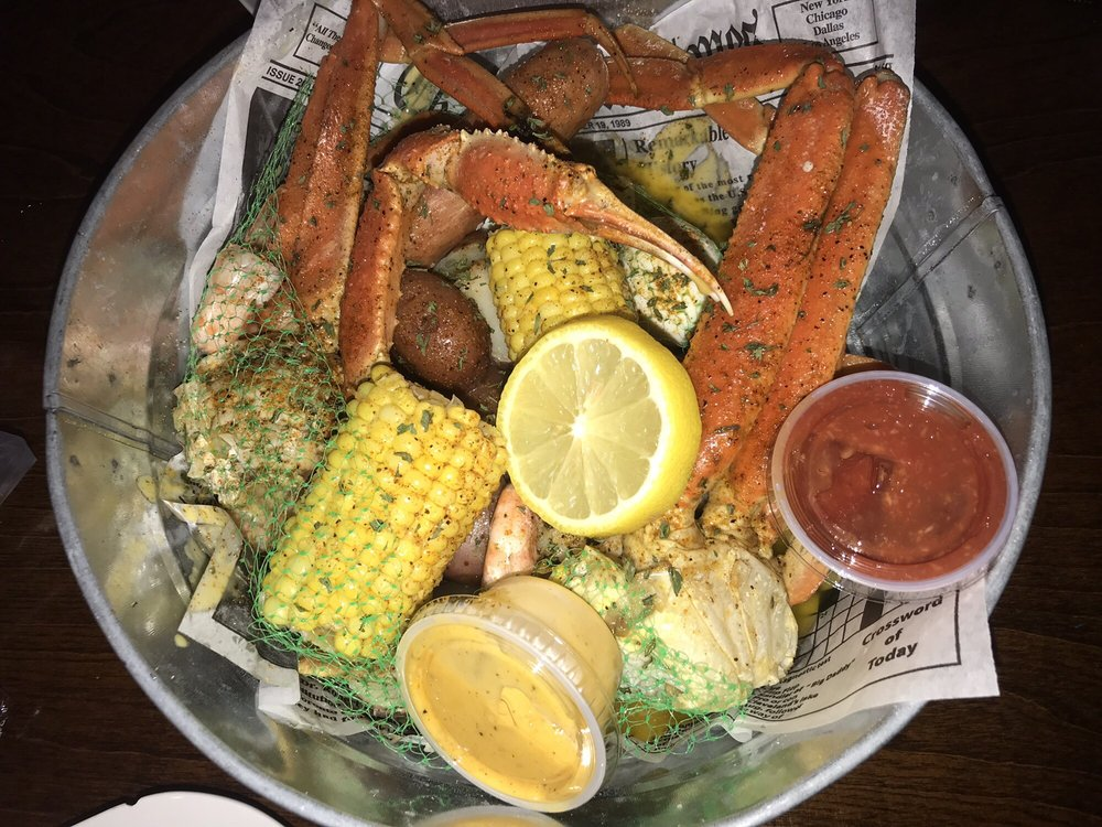 C & J's Crab Shack & Bar: 514 Broad St, Gadsden, AL
