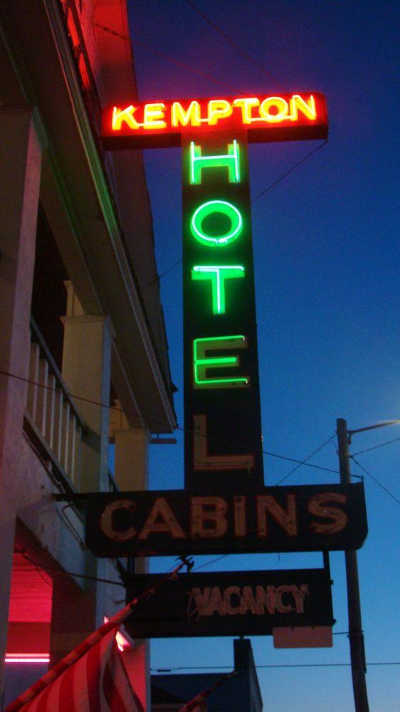 Kempton Hotel: 204 Spring St, Terry, MT