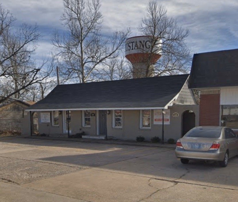 Miss Alterations: 220 W State Hwy 152, Mustang, OK