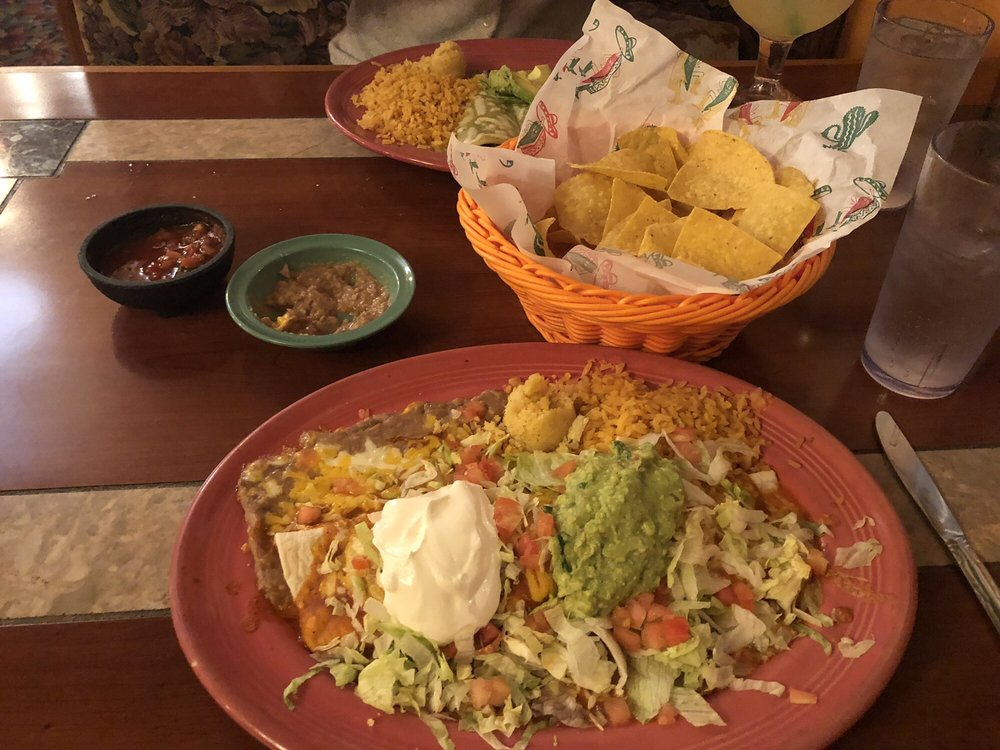 El Tapatio Mexican Restaurant: 725 E Gibbs Ave, Cottage Grove, OR