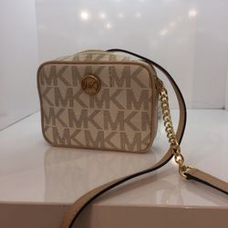 bags michael kors outlet 29v7  Photo of Michael Kors Outlet