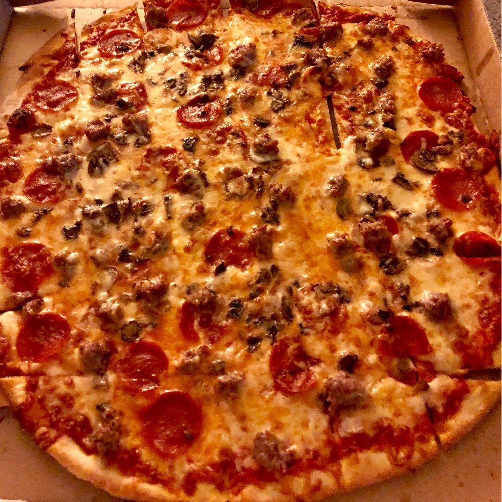 Bada Bing Pizza: 221 Highland Dr, Fredonia, WI
