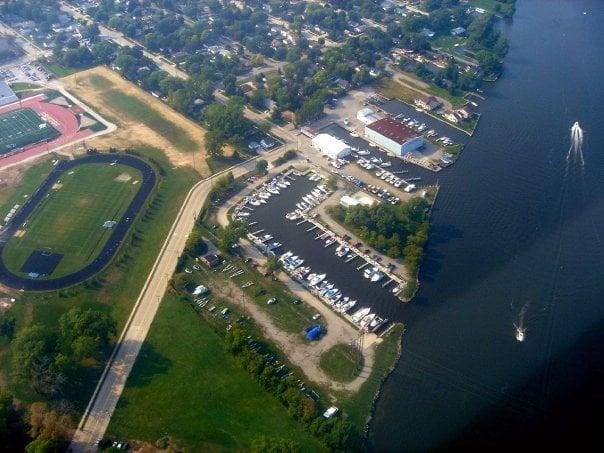 Lakeside Marina: 902 Taft Ave, Oshkosh, WI
