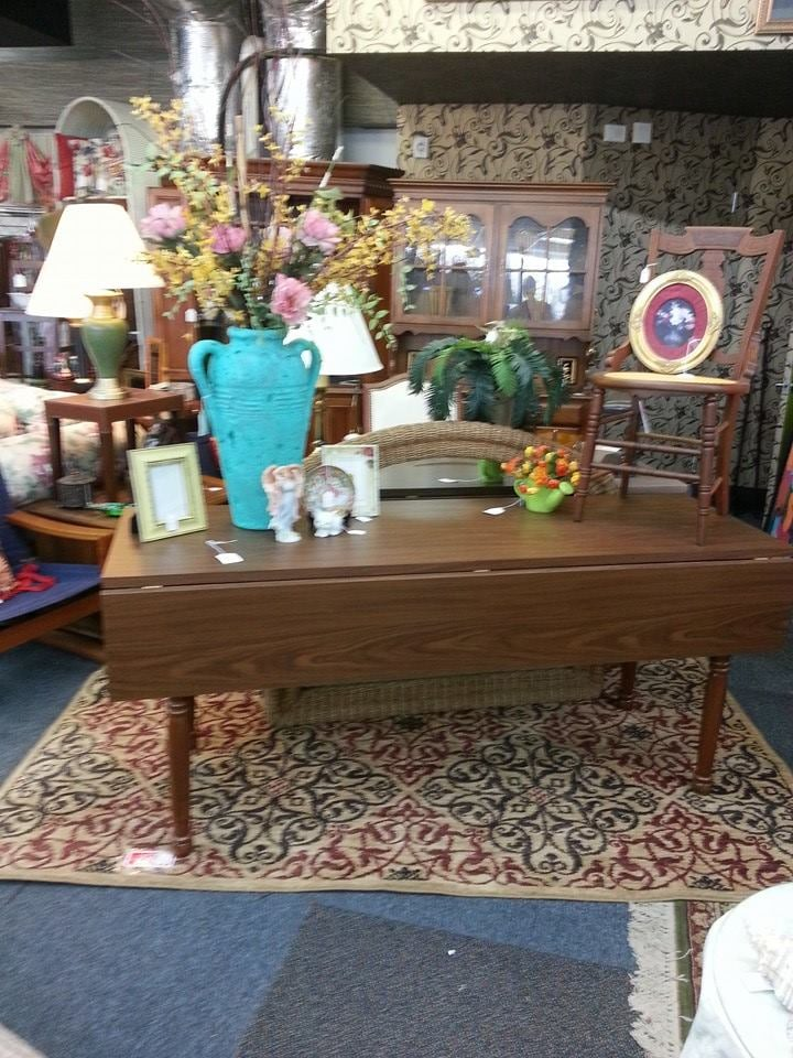 Nashville tn home decor and consignment super store mon for Home decor stores in nashville tn