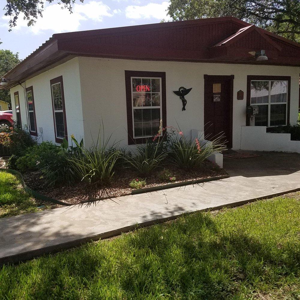 Beeville Chiropractic Center: 804 N Saint Marys St, Beeville, TX
