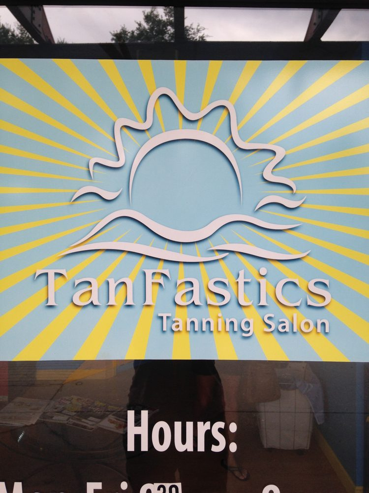 Tanfastics Tanning Salon: 4838 Cortez Rd W, Bradenton, FL