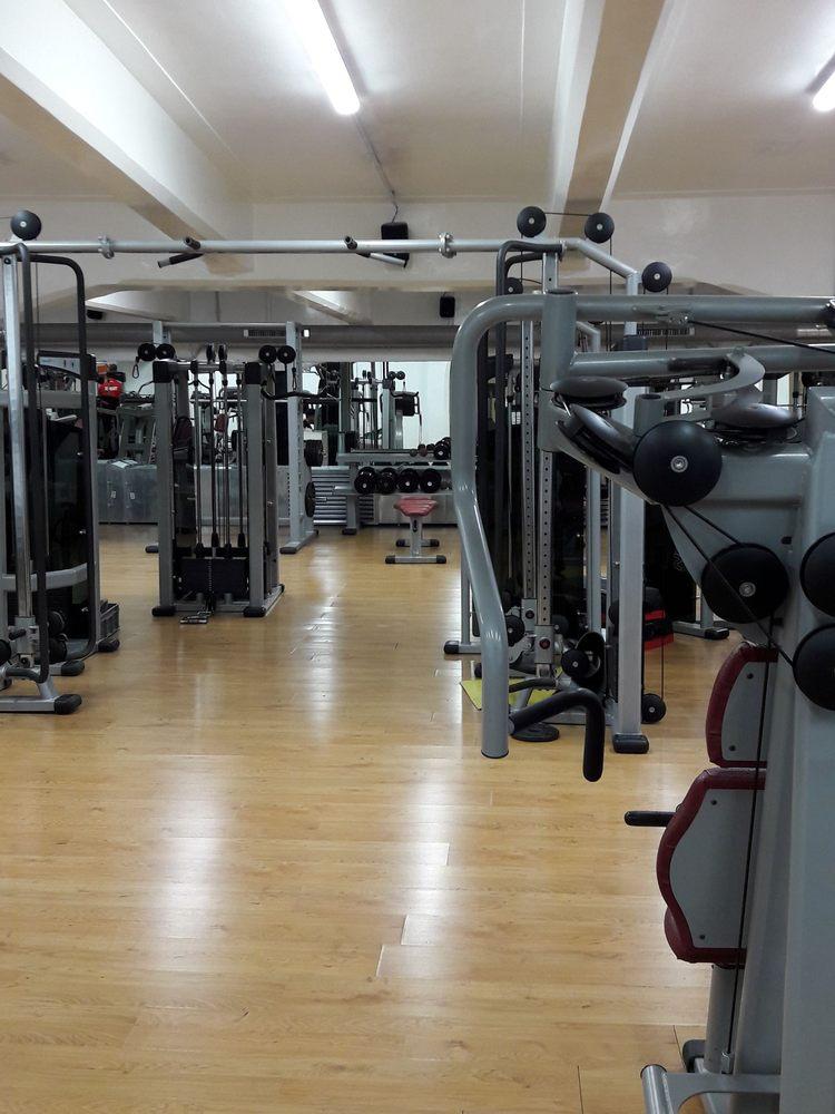 Wellness via bari 11 nomentano roma numero di for Numero abitanti di bari