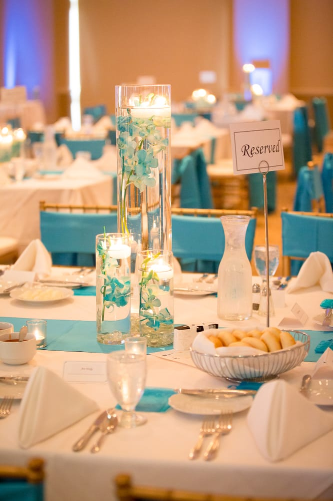 Wedding Reception Centerpiece With Floating Candles At The Pipac In